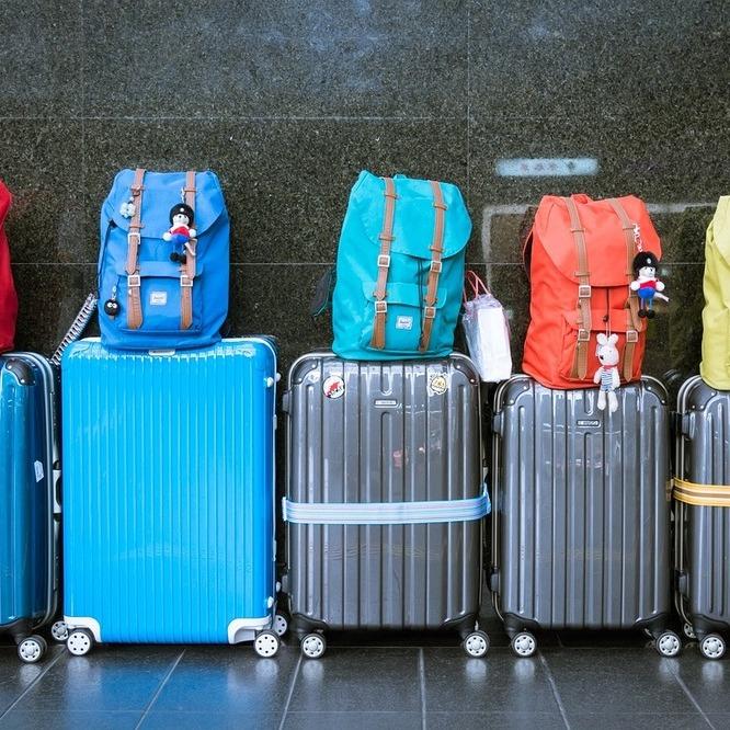 1825c95990 【海外旅行】スーツケースの選び方、おすすめ選!~キャスター4輪・TSAロックであれば問題なし~