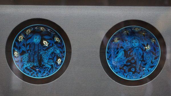 ペルシアンブルーの美しい小皿